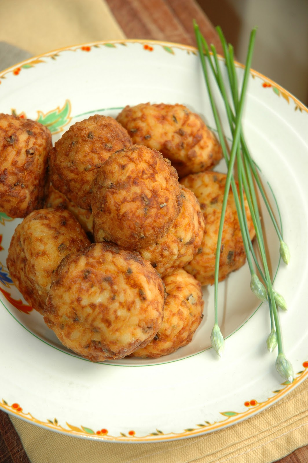 Risotto balls i think i found a new vegetarian favorite the one night i just happen to see ina carten making risotto balls on the food network and you know how it is with the barefoot contessa she just has a forumfinder Gallery