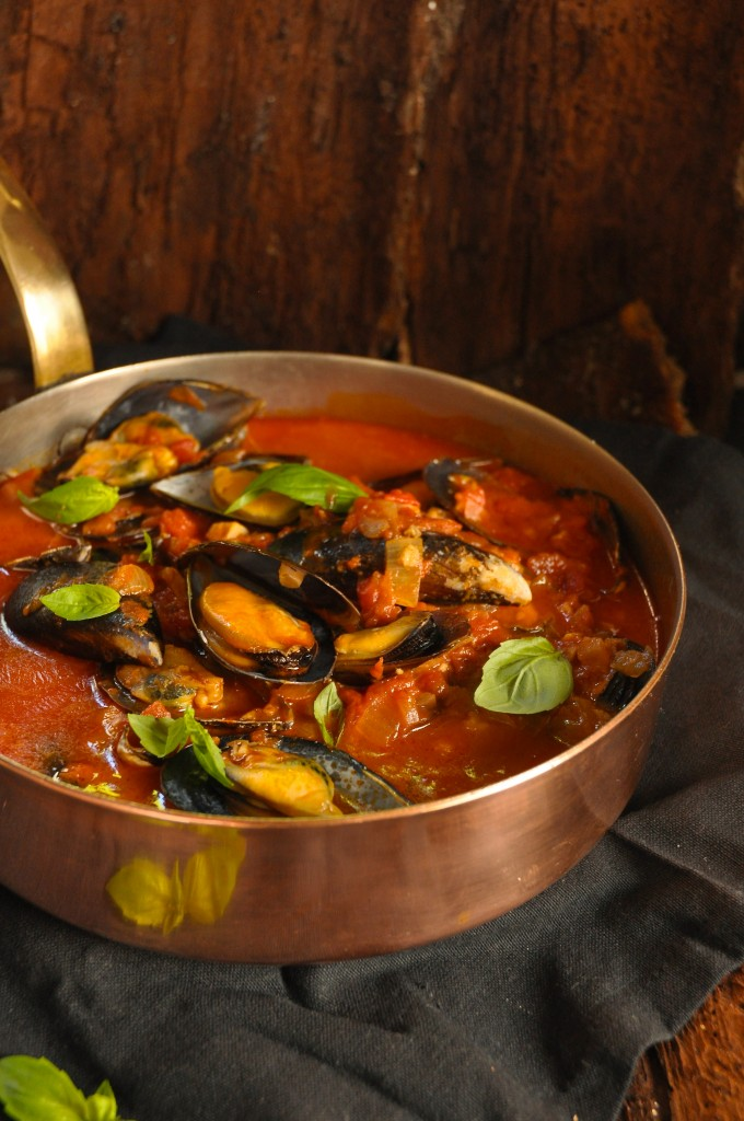how to cook mussels in tomato sauce youtube