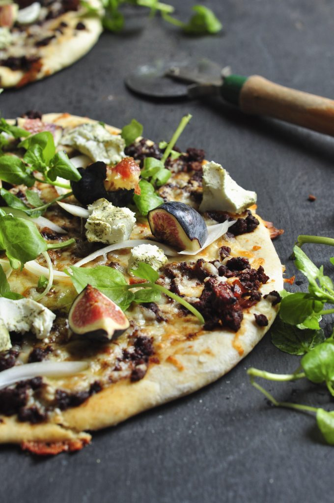 Spicy Lamb Goatscheese Pizza with fresh figs